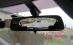 Na je zetel dien je ook je achterspiegel in te stellen voor een optimaal zicht