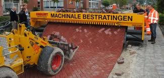 Machinaal straten leggen