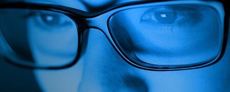 Blauw licht uit een scherm